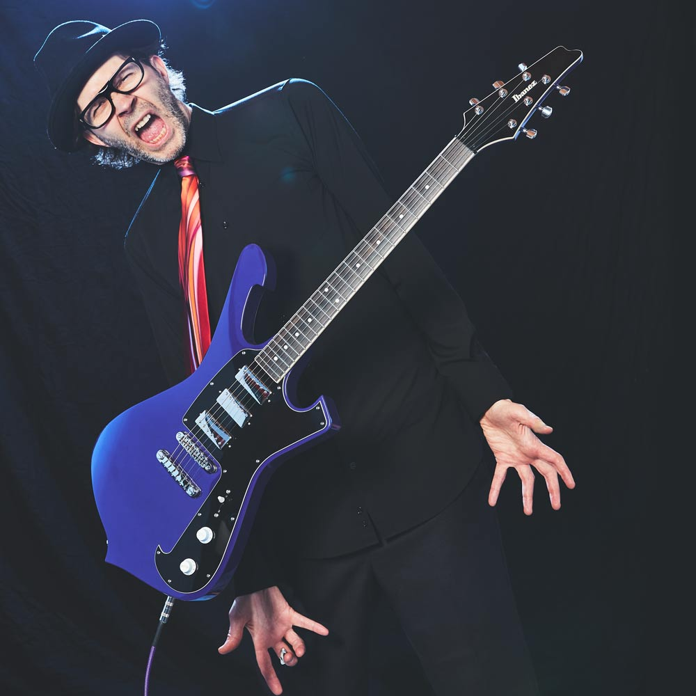 Paul Gilbert | ARTISTS | Ibanez guitars on