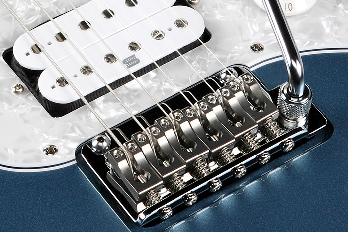 Gotoh T1802 tremolo bridge