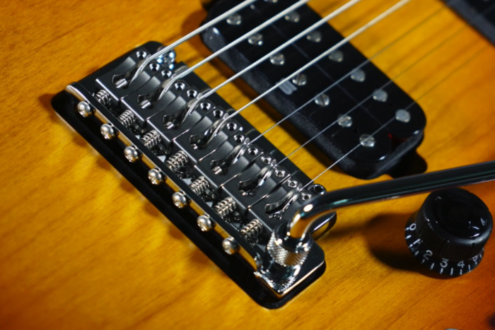 Gotoh® T1872S tremolo bridge
